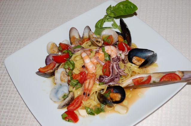 Ristorante di pesce a fiumicino sfizi di mare specialit for Piatti ristorante